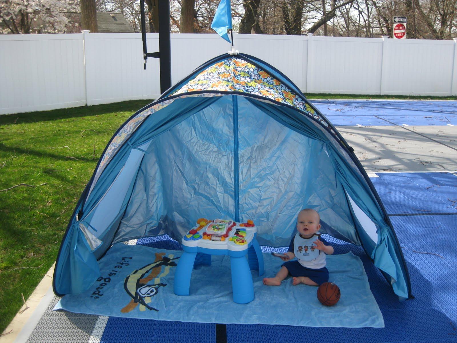 Friday Favorite Sun Smarties Family Beach Cabana Tent & TryItMom: Friday Favorite: Sun Smarties Family Beach Cabana Tent