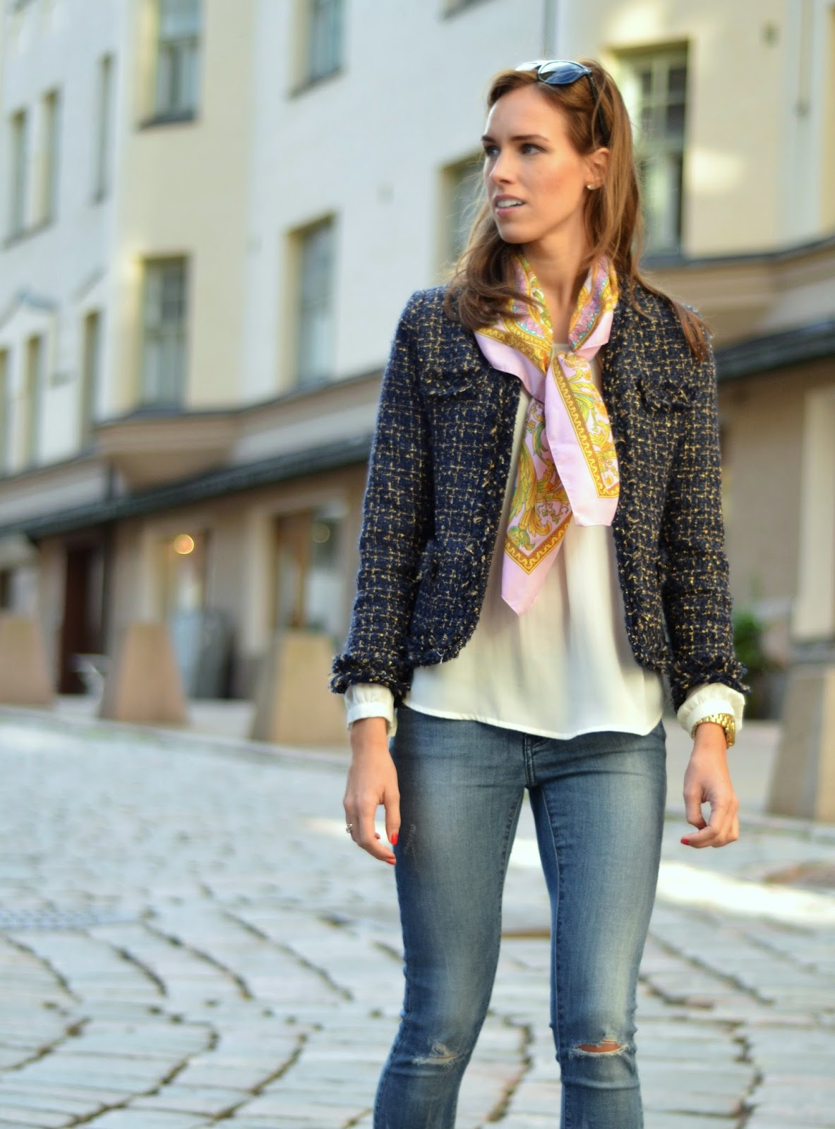 tweed-jacket-silk-scart-white-top-jeans