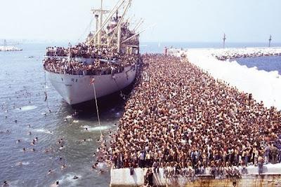 """Απίστευτο! Οι ΗΠΑ, που κατηγορούν την Ελλάδα, δεν """"σέβονται"""" τους παράνομους μετανάστες και τους απελαύνουν μαζικότατα!!!"""