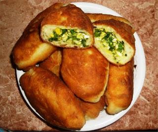 Пирожки с яйцами и зелёным луком