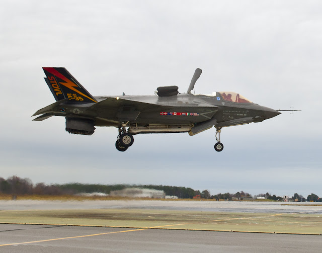 F-35 JSF vertical takeoff