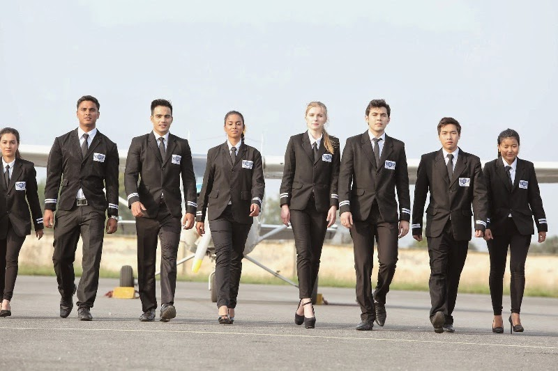 how to get a commercial airline pilots license