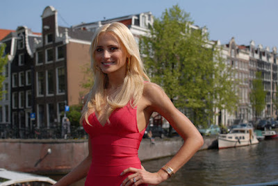Netherland Beauty Yfke Sturm Wallpaper