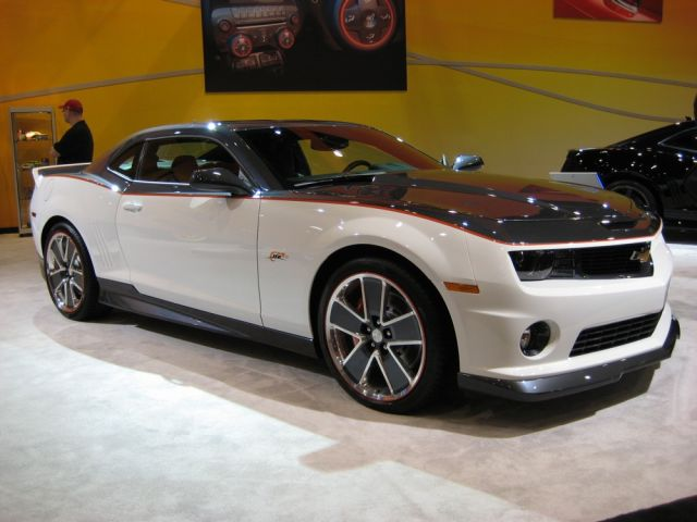 autorique cars 2011 chevrolet camaro wallpapers. Black Bedroom Furniture Sets. Home Design Ideas