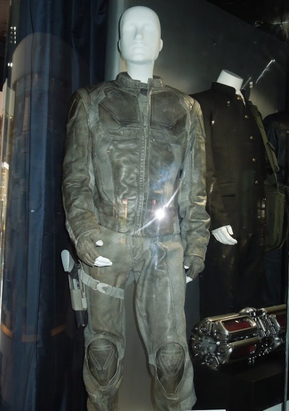 Tom Cruise Oblivion Jack Harper costume