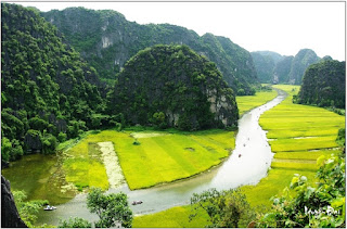 The charming & mysterious beauty of Tam Coc in Ninh Binh