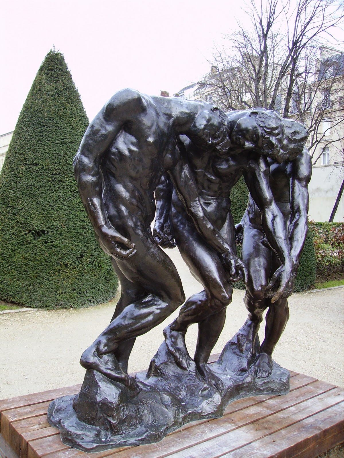 http://upload.wikimedia.org/wikipedia/commons/1/1b/Auguste_Rodin-The_three_shades-Mus%C3%A9e_Rodin.jpg