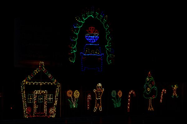 Myday myinterests photoblog gift of lights new hampshire for New hampshire motor speedway christmas lights