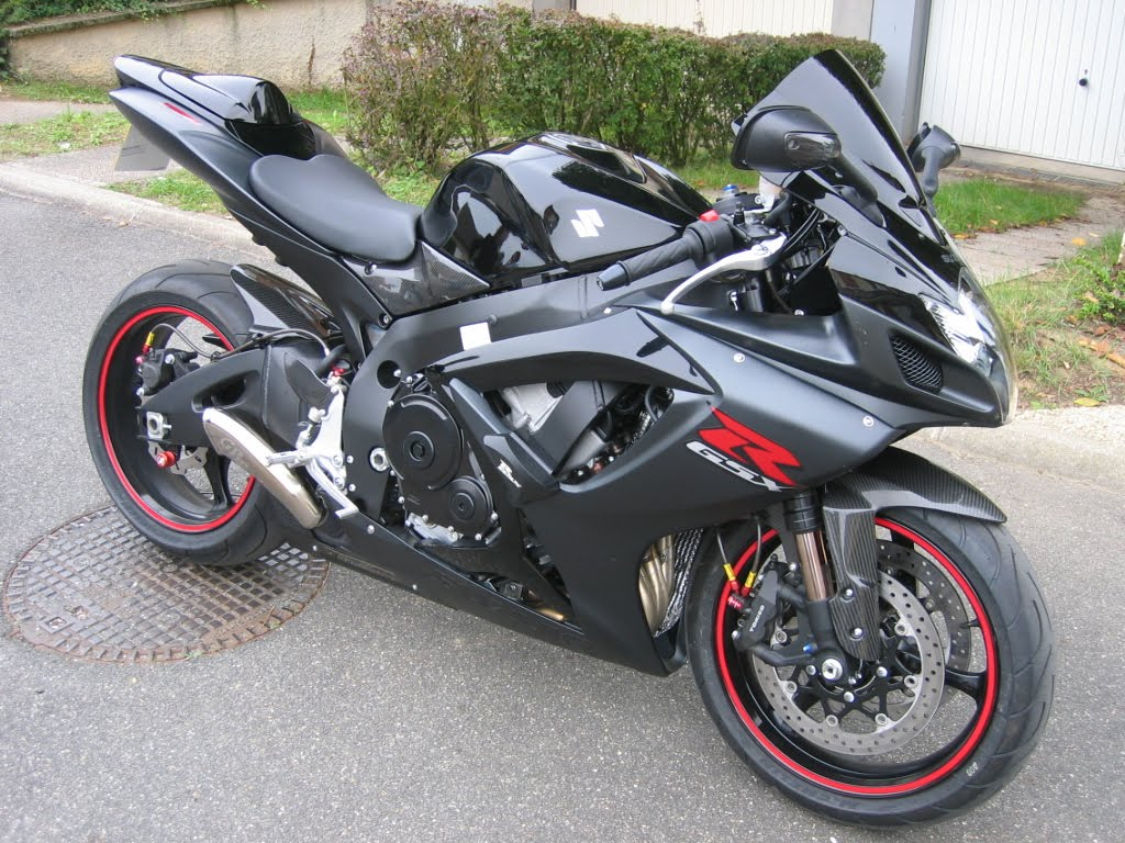 suzuki gsxr 600 k7 free hd wallpaper. Black Bedroom Furniture Sets. Home Design Ideas