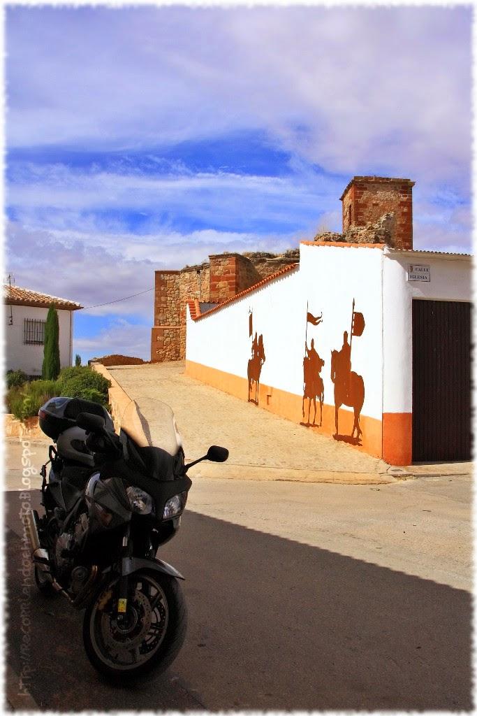 acceso iglesia Sta Catalina Fuenllana