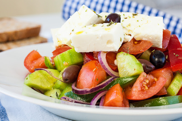 Grčka salata sa sirom i origanom