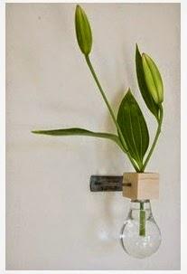 A mi manera decorar las paredes con plantas en mini jarrones - Manualidades para decorar paredes ...