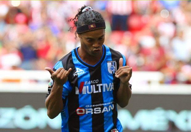 Ronaldinho Nyaris Gabung MU