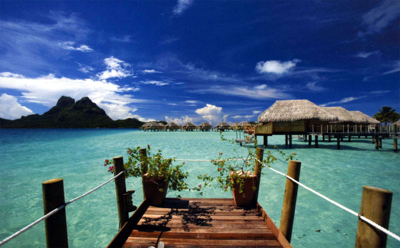 Vacation spots in tahiti for Best beach travel destinations