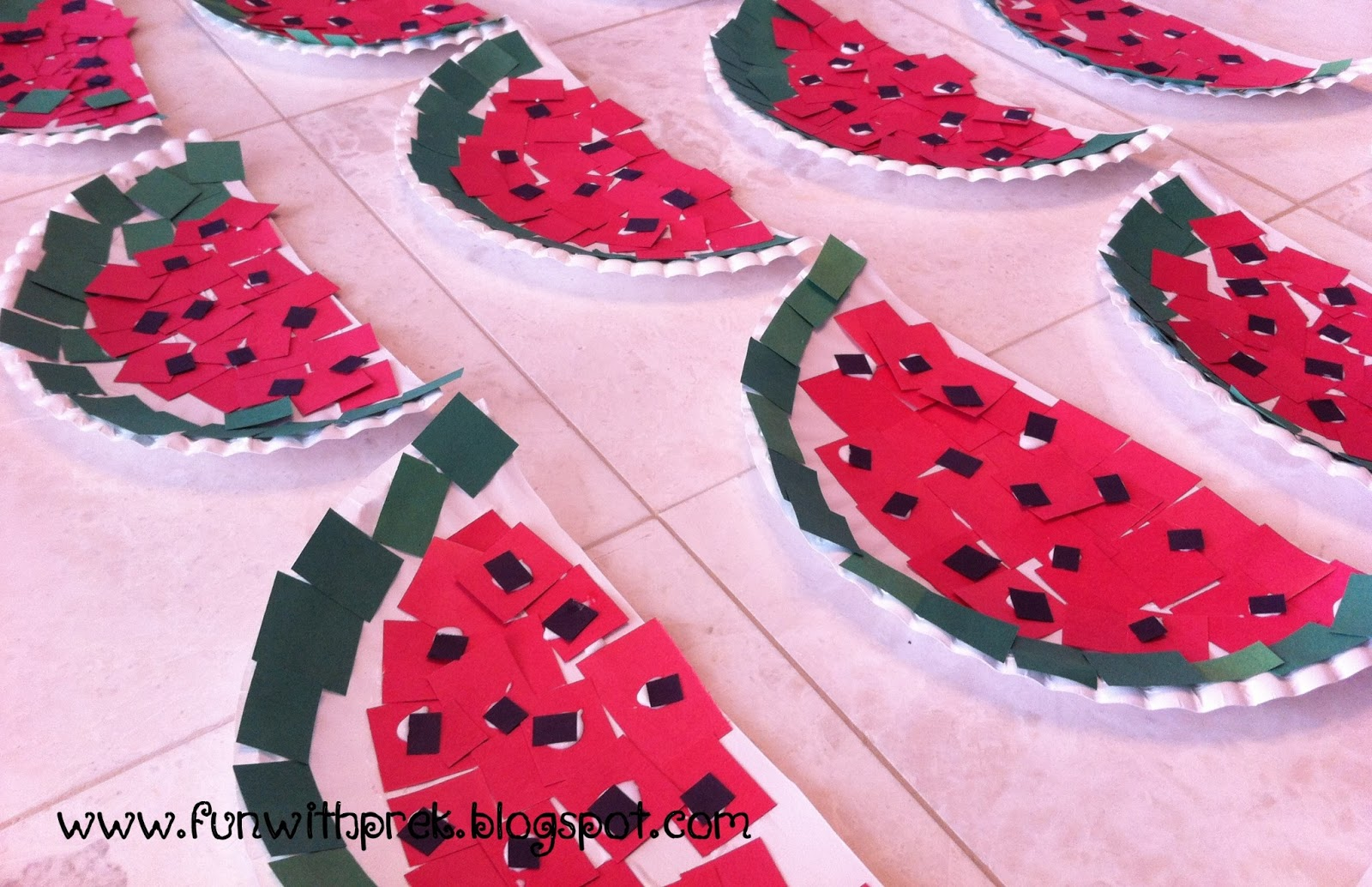 Really one of the cutest paper plate crafts. & Lil\u0027 Miss SmartyPants: Paper Plate Watermelon Craft