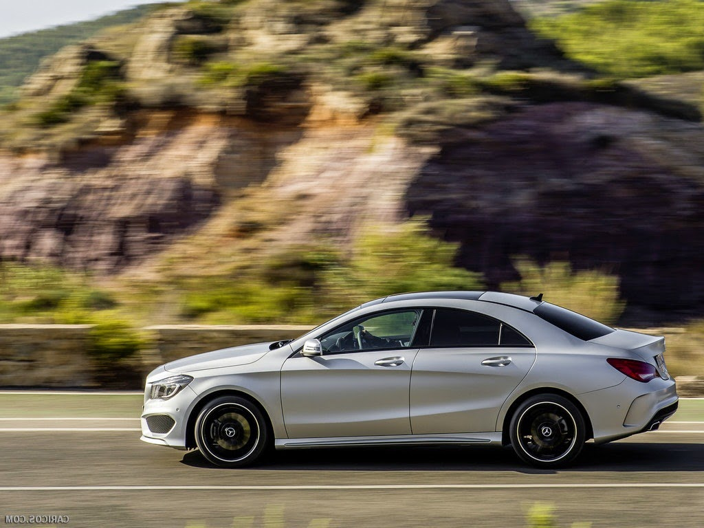 2014 Mercedes CLA Side Wallpaper