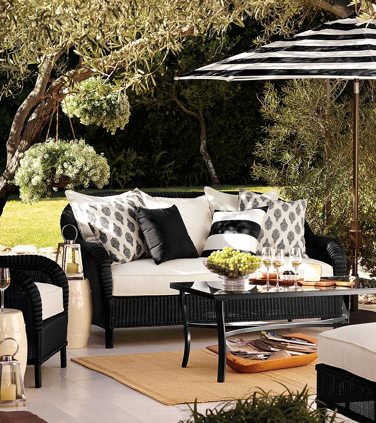I Popped Onto Pottery Barn. Lots Of Black And White In Their Outdoor  Merchandise This Season.