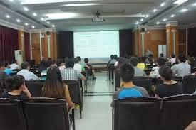 distancia pública en el aula