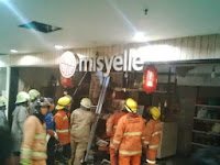 BIP Kebakaran Foto Toko Mal Bandung Indah Plaza Terbakar