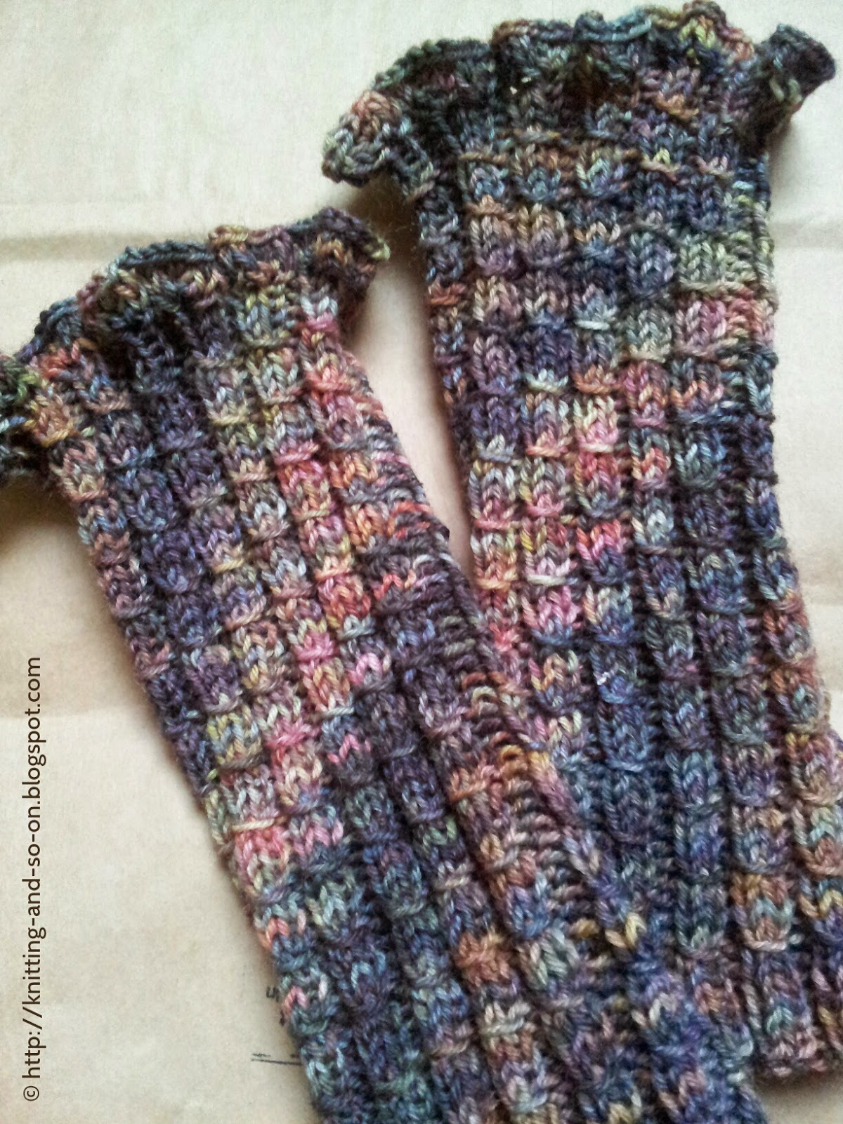 Wrist Warmers Knitting Pattern : Knitting and so on: Bamboo & Ruffles Wrist Warmers