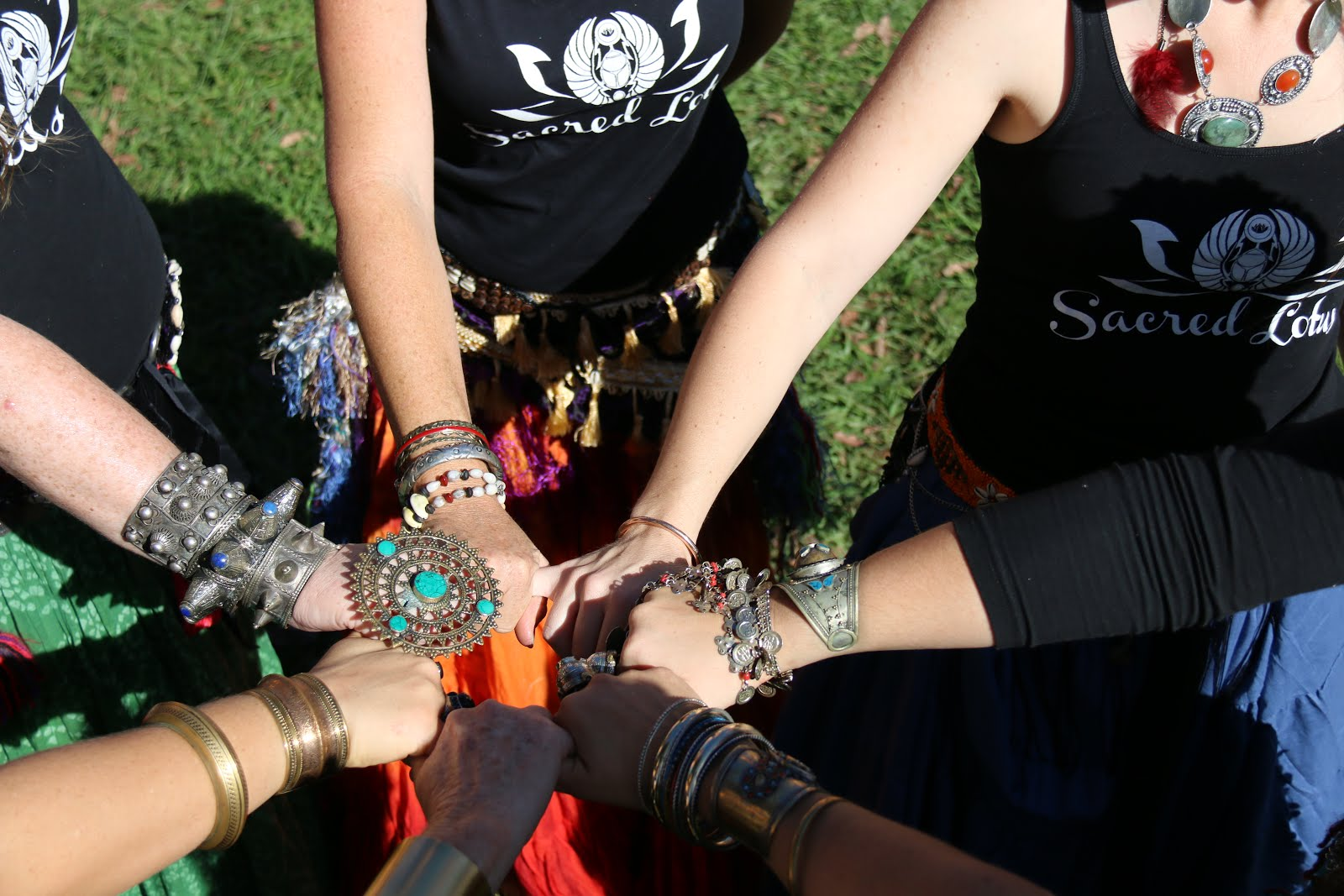 Welcome to Sacred Lotus Bellydance!