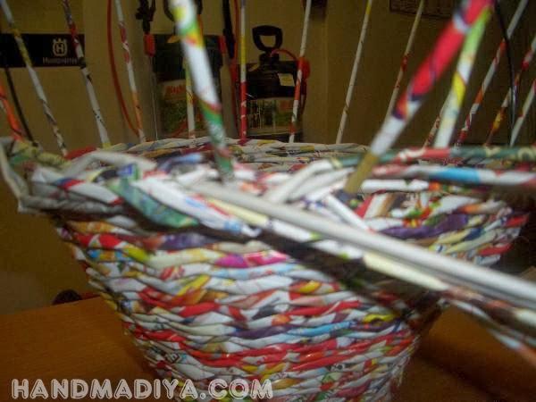 Корзинка из газетных трубочек. Basket of newspaper tubes. DIY step-by-step tutorials