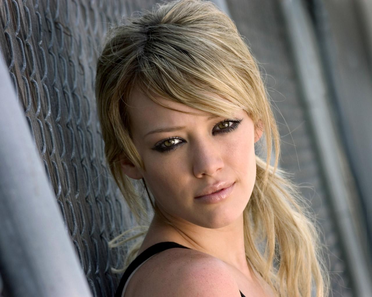 http://4.bp.blogspot.com/-VNxsoOWQYrs/T3xk2pmtkII/AAAAAAAAF3I/ZJOnVZ2wqg8/s1600/Hilary-Duff.jpg