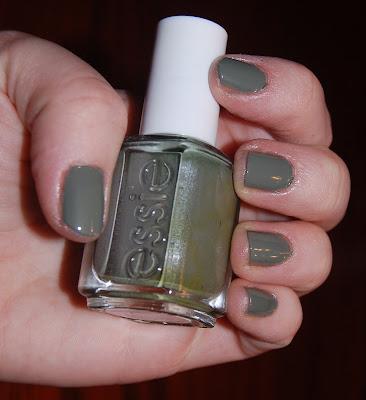 Essie, Essie Sew Psyched, Essie nail polish, Essie nail lacquer, Essie manicure, nail, nails, nail polish, polish, lacquer, nail lacquer, manicure, swatches, Essie swatches, nail polish swatches