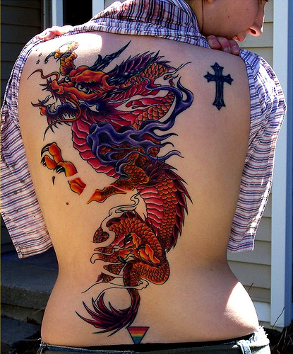tattoos designs full color dragon and cross tattoo design on back body. Black Bedroom Furniture Sets. Home Design Ideas