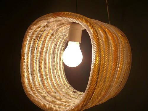 Lamparas originales con mangueras de regar, Oh la lamp