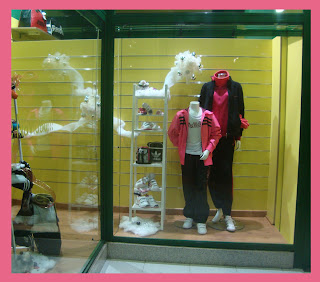 Escaparate de Navidad en la tienda de Deportes Caiño, foto 3
