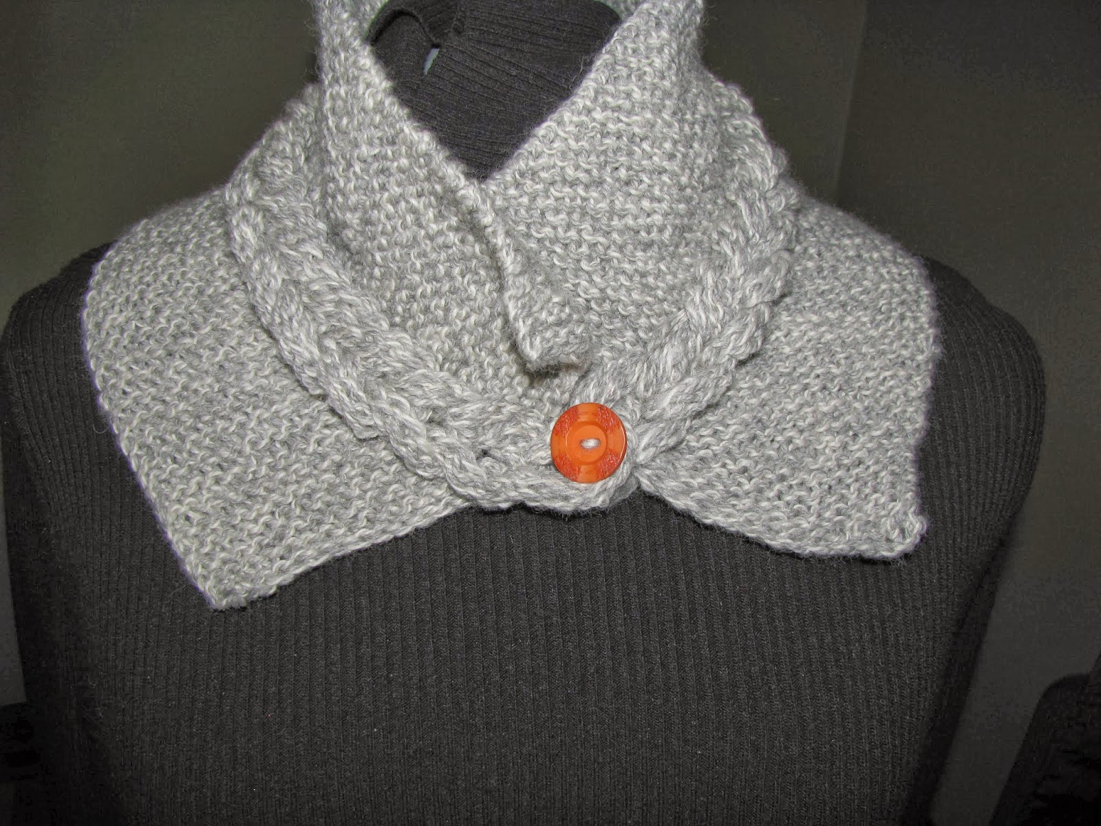 Chris Knits in Niagara: Hand Cabled Collar