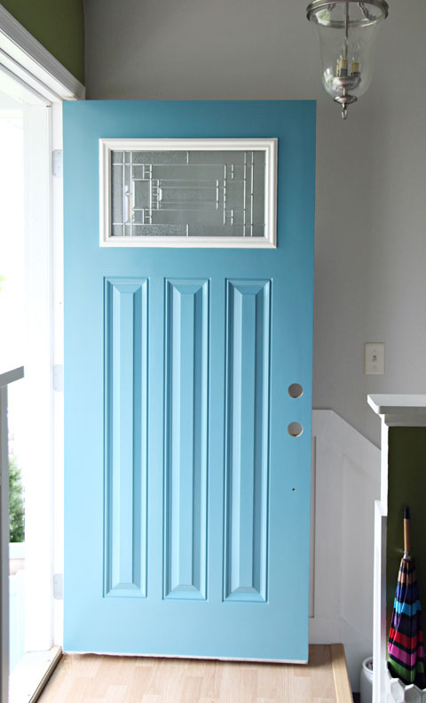 I Organizing: June Monthly Challenge: We Painted the Front Door! on painting trim, exterior paint wood trim, texture exterior trim,
