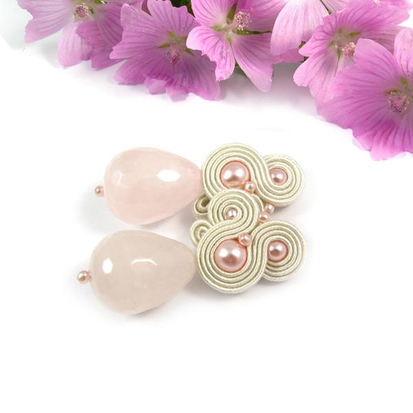 Kolczyki ślubne z pudrowymi perłami