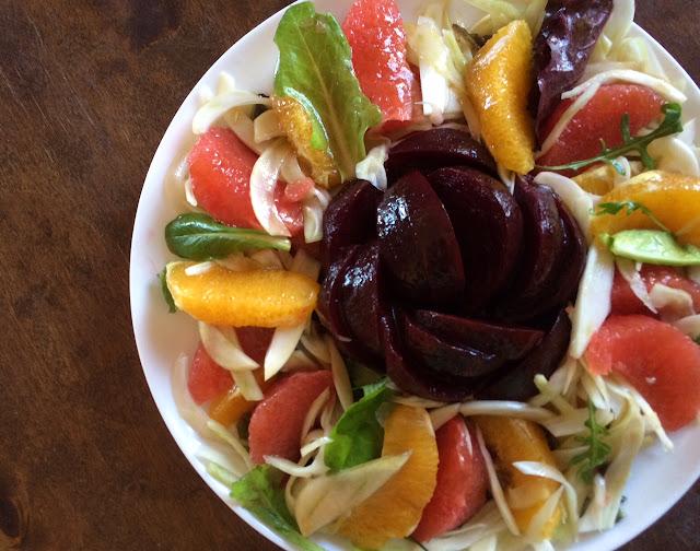 Зимний цитрусовый салат со свеклой и фенхелем