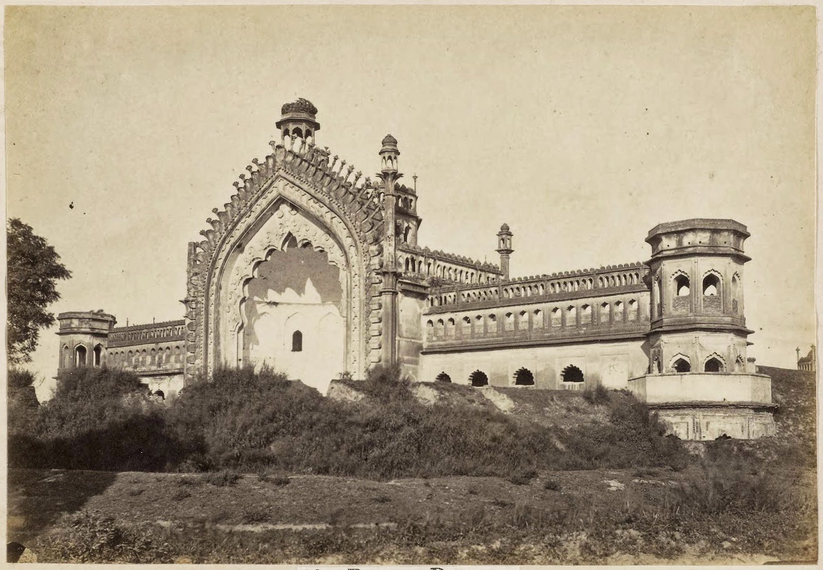Roomee durwaza lucknow 1870 39 s old indian photos for Architecture design for home in lucknow