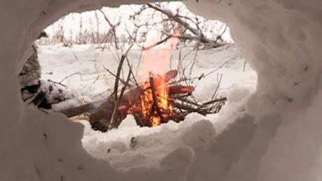 Как сделать убежище из снега