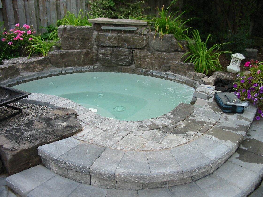 Backyard Landscaping Hot Tub : Hot tubs and portable spas tub is a real luxury