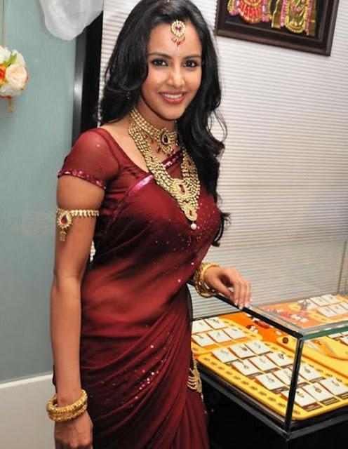 Priya Anand Beautiful Photos