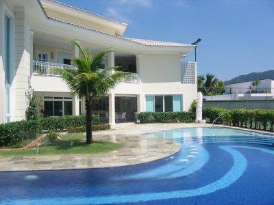 Tudo que voc gosta casas de famosos for Fotos de piscinas hermosas