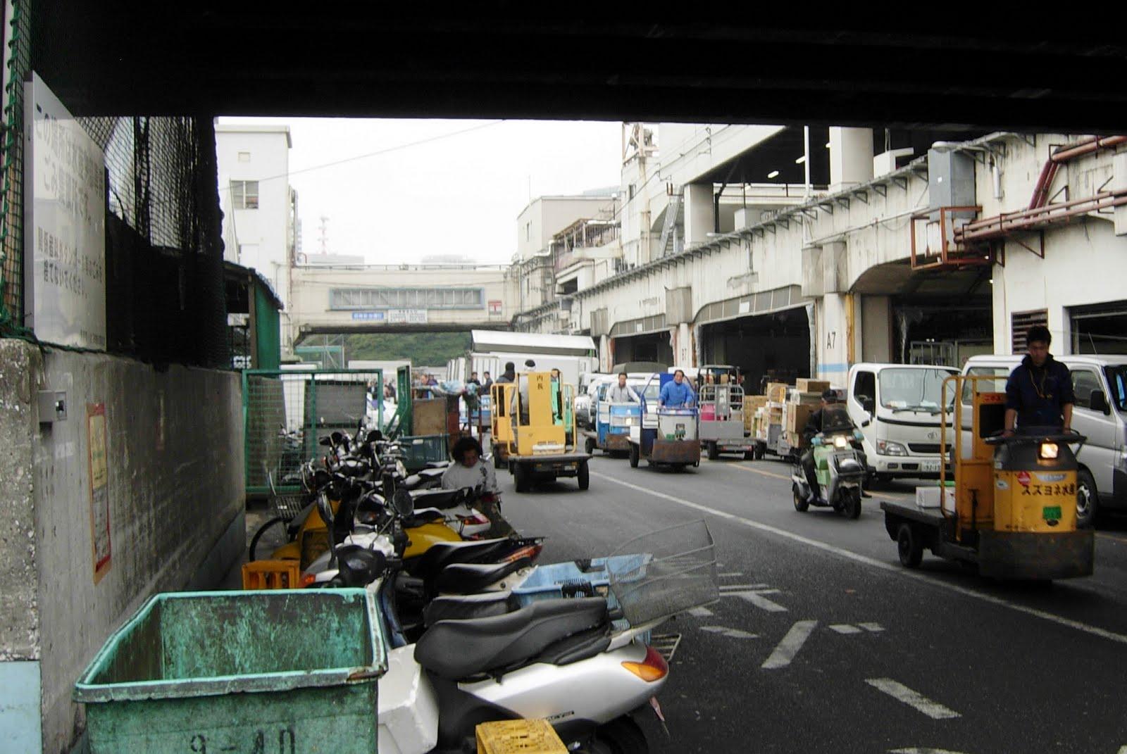 Aranoyas tsukiji fish market with the ancient mariner for Empire fish market