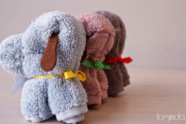 perrito hecho con toalla para bautizo