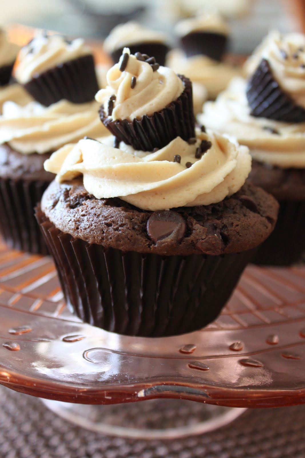 Baked Perfection: Chocolate Cupcakes with Peanut Butter Frosting
