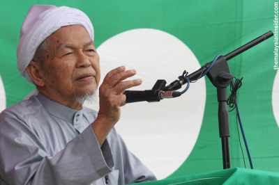 Nik Aziz tetap mahu hudud, tak peduli pendirian DAP
