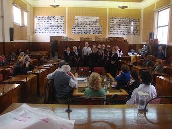 Cantando en el HCD de la ciudad de Mar del Plata