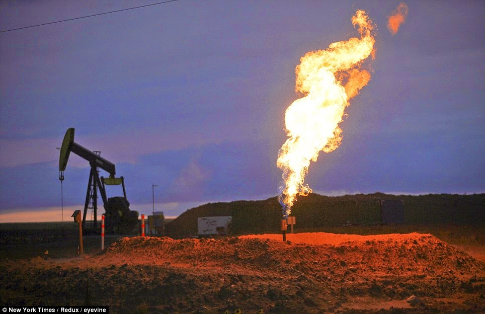 Bakken gas flares in action