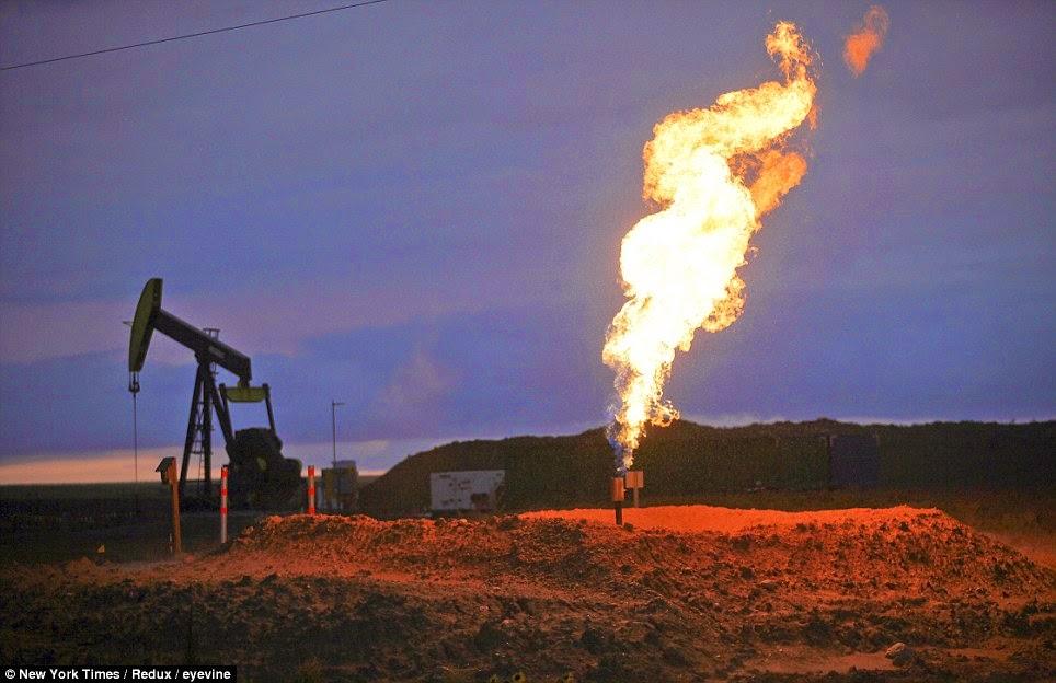Bakken gas flares in action