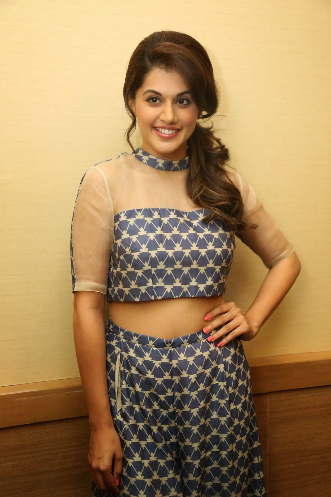 Taapsee Pannu (aka) Actress Tapsee photos stills images Tapasee pannu new photos
