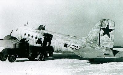 Загрузка Ли-2НБ