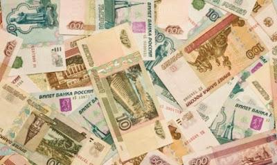 Треть российских граждан перестала копить деньги